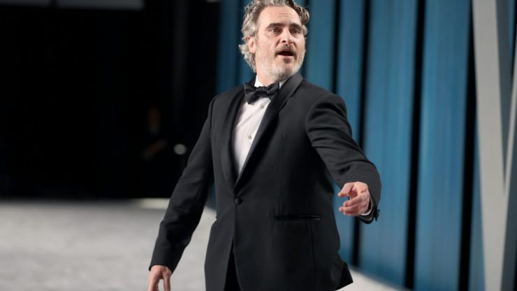 Joaquin Phoenix pays tribute to brother River in Oscar acceptance speech