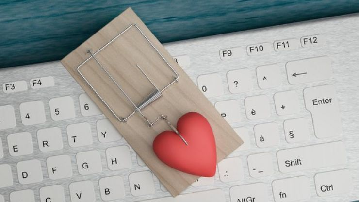 Gardaí warn of 'romance fraud' ahead of Valentine's Day