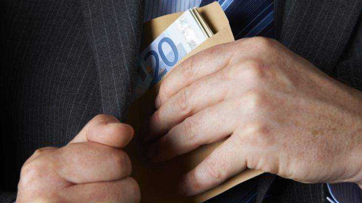 Man working for large retail business arrested in Kildare for allegedly receiving bribes from supplier