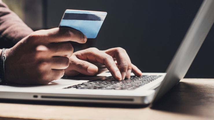 Irish people have lost over €1.1 million as a result of online shopping fraud in 2020