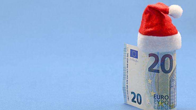 Record Christmas bonuses worth €390 million to be paid to 1.6 million recipients next week