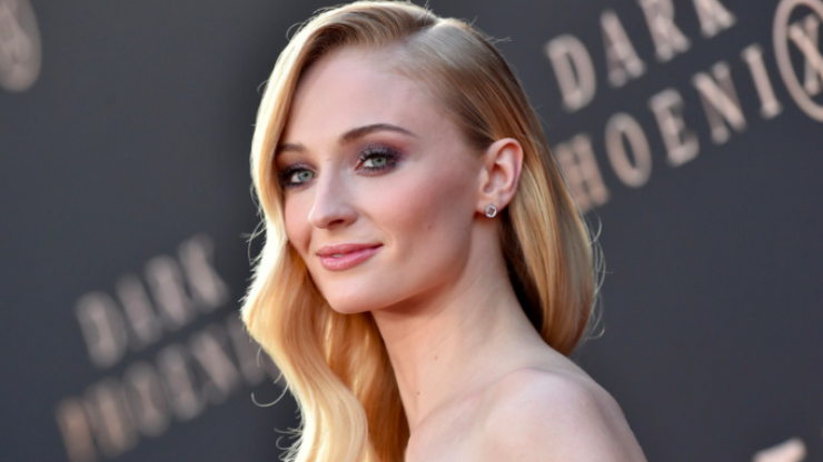 Game of Thrones star Sophie Turner takes swipe at anti-mask Covid sceptics