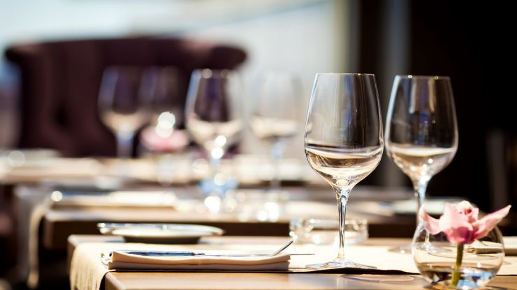"""Restaurants chief says """"fake bookings"""" being made in protest of indoor hospitality rules is """"a huge issue"""""""