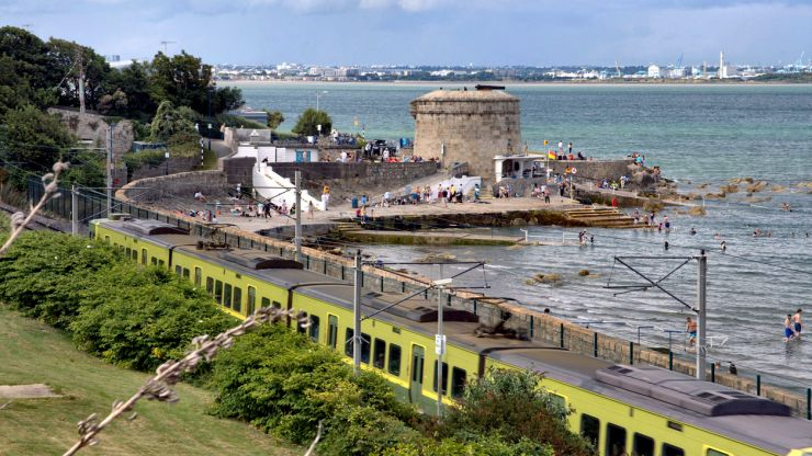 """People advised not to swim at popular Dublin beach due to """"elevated levels"""" of e-coli"""