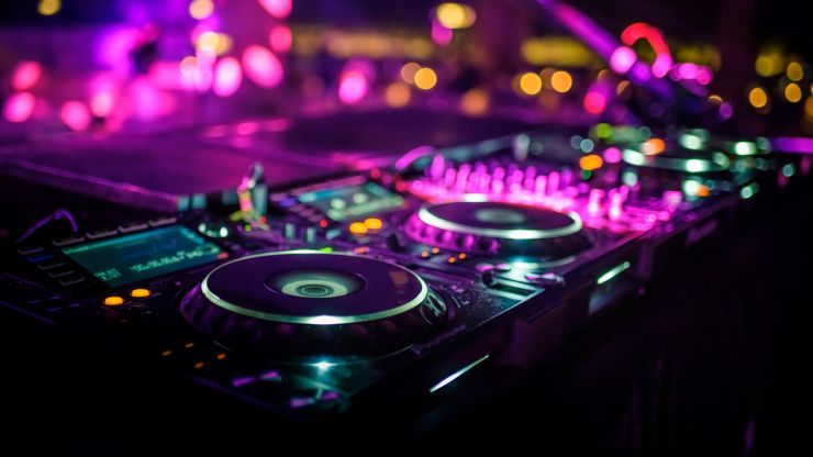 """Nightlife group says reopening plan for the sector """"long overdue"""""""
