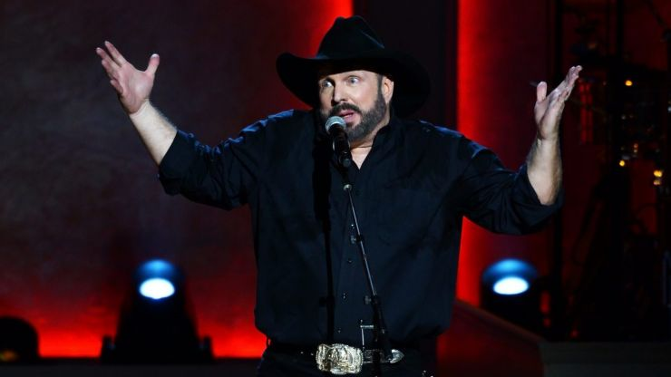 Garth Brooks might be returning to Ireland, and people have a lot to say about it