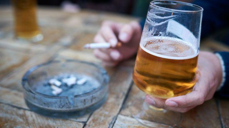 Green Party Councillor calls for smoking ban in outdoor dining areas