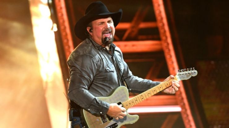 It looks like Garth Brooks will play FIVE nights in Ireland after all