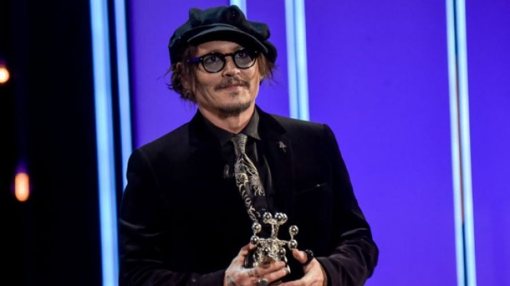 """""""No one is safe"""" – Johnny Depp blasts """"cancel culture"""" as he receives award"""