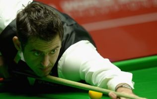 VINE: Ronnie O'Sullivan proves he's human with this horrible miscue