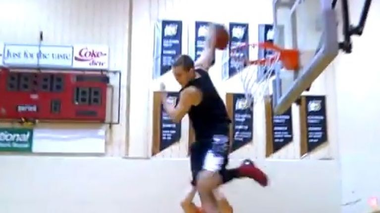 Video Dont Even Try To Wrap Your Head Around This Scorpion Dunk
