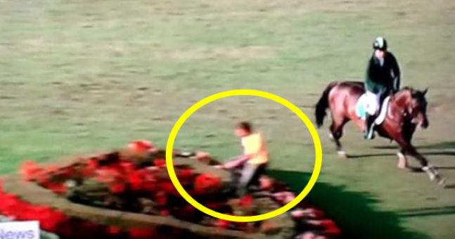 Steward jumps out in front of Cian O'Connor and may have cost Ireland Olympic qualification