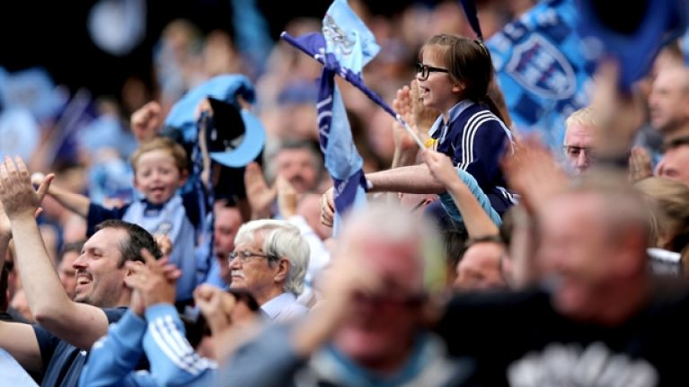 Dublin fans unveil classy banner at Croke Park to welcome refugees