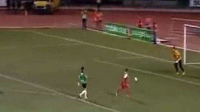 VIDEO: Algerian keeper goes 'full Neuer', absolutely nails it