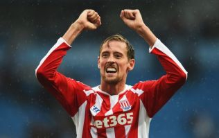 Chelsea want to sign Peter Crouch