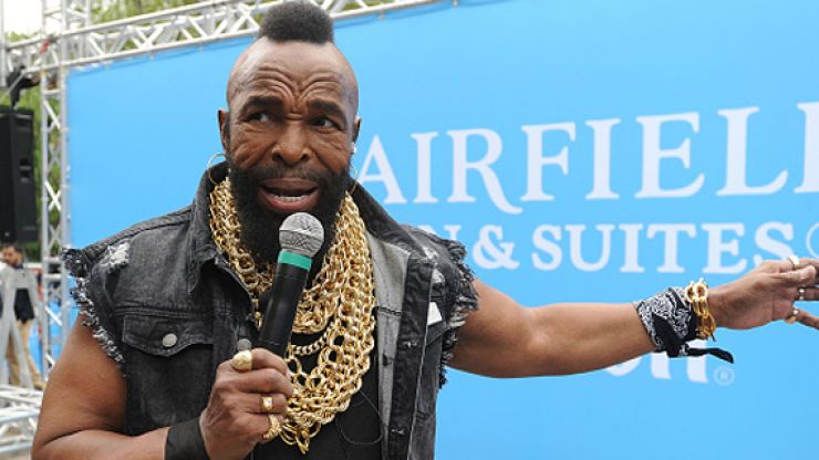 Mr T recounts how Muhammad Ali used to break up fights in the hood