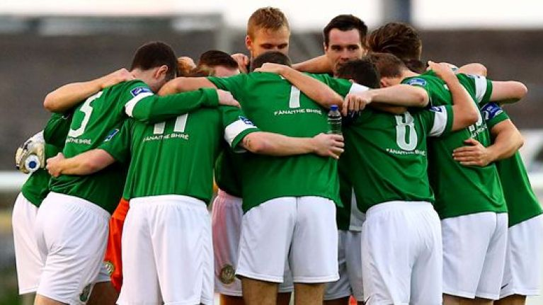 5cf760746eba1 PIC: The new Bray Wanderers home kit is a controversial break with the past
