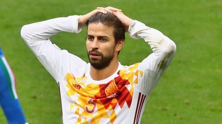 buy online a9bda b468b Gerard Pique to quit Spain team because of shirt sleeves ...