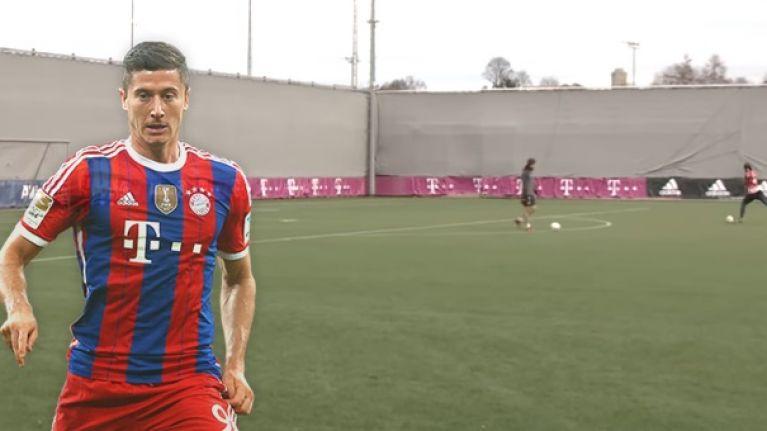 Robert Lewandowski best watch his back as Manuel Neuer can strike a feckin' football