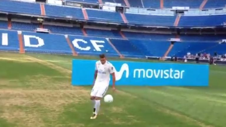 Real Madrid's latest signing has keepie uppie disaster at his unveiling