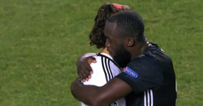 Romelu Lukaku's gesture at the end of United match was the epitome of class