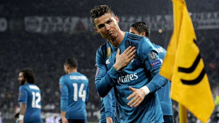 ronaldo juventus standing ovation juventus fans give cristiano ronaldo a standing ovation for bicycle kick goal sportsjoe ie