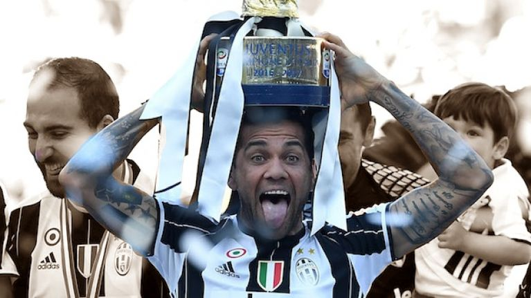 Dani Alves is now joint top of the world for major honours