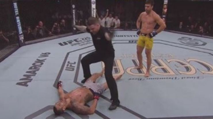 Lyoto Machida recreates two of the most famous knockouts in UFC history to retire Vitor Belfort