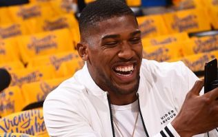 Anthony Joshua wins small fortune with amazing 12/1 bet
