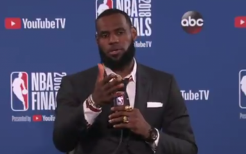 LeBron shuts down press conference abruptly after stupid question