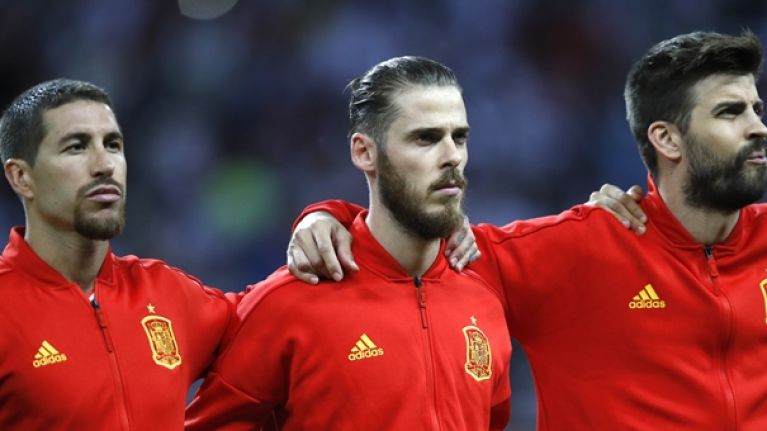 David De Gea couldn't hide his reaction to Gerard Pique getting nut-megged