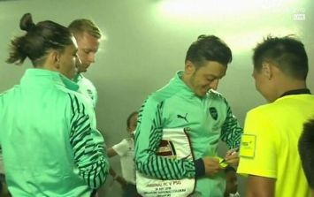 Mesut Özil's pre-game gesture to referee raised a lot of eyebrows