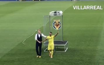 Santi Cazorla the subject of strange Villareal transfer unveiling