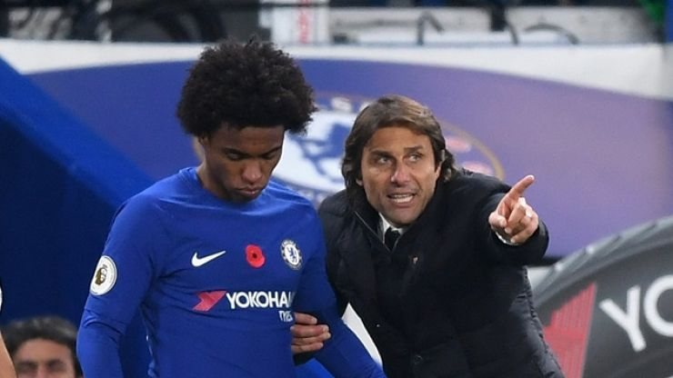 Willian makes it perfectly clear he would've left Chelsea had Antonio Conte stayed