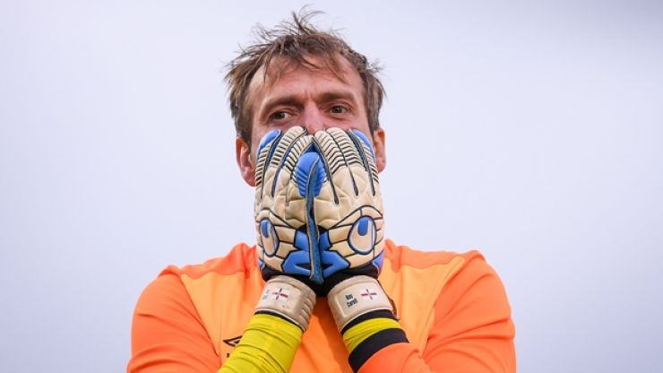 Cliftonville boss offers interesting take on Roy Carroll hand-shake refusals