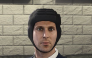 Petr Cech responds to image of him wearing a helmet in FIFA 19 Career Mode