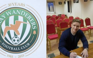 Bray Wanderers' new transfer actually signing blank page in announcement photo