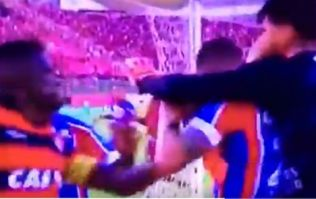 Brazilian derby abandoned after ten players are red carded following brawl