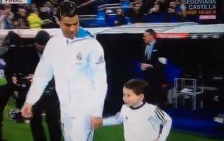 Real Madrid mascot imitates Ronaldo's pre-match ritual