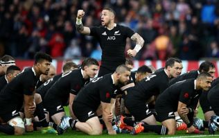 Fans not happy with English supporters singing during the Haka