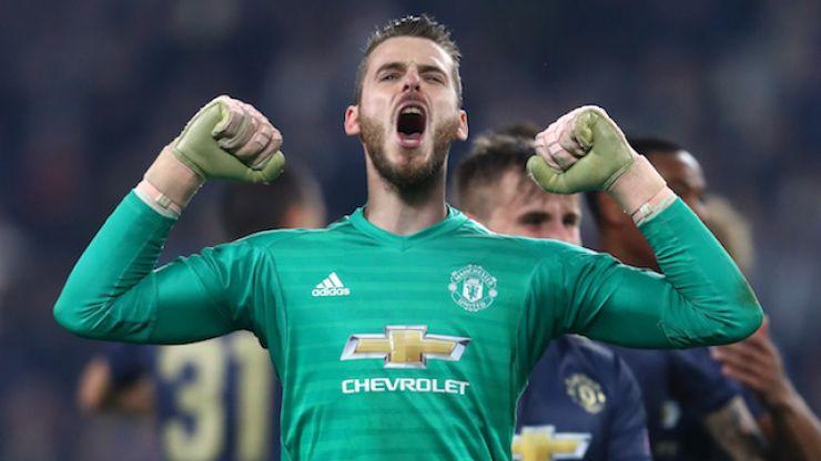 Manchester United extend David De Gea's contract