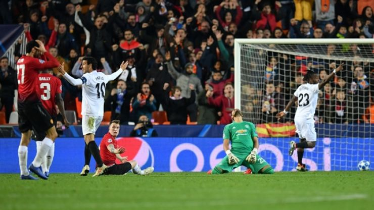 Manchester United limp through another grim defeat to show how pointless this has become