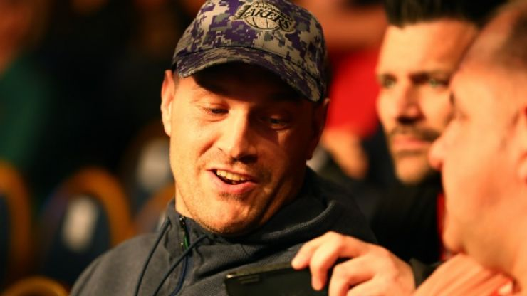 "Tyson Fury calls out The Sun for ""fact"" about amateur bout"