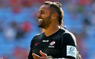 Munster fan confronts Billy Vunipola on the pitch after Saracens win