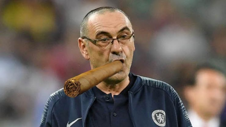 Chelsea win, Sarri immediately whips out massive cigar