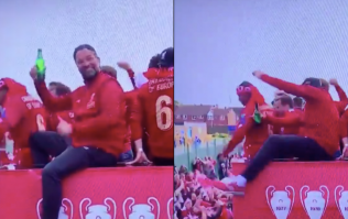 Jurgen Klopp almost falls off bus during Liverpool's trophy parade