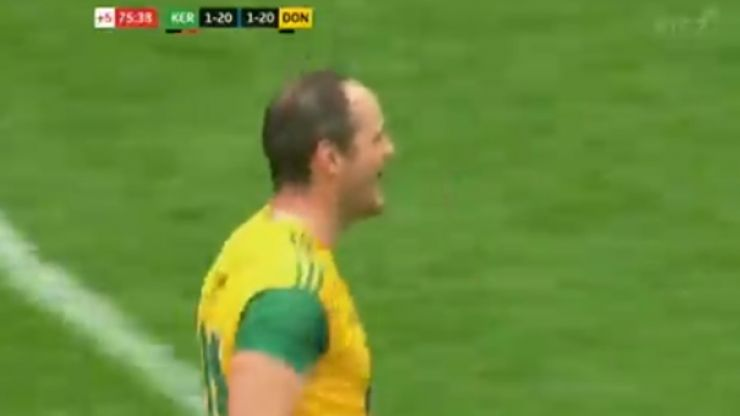 Michael Murphy scores with last kick of the game to seal draw for Donegal