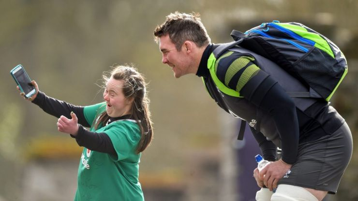 'It was nice to be able to present her with my Grand Slam medal' - Peter O'Mahony