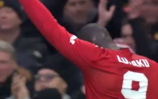 Romelu Lukaku scores again after great pass from Alexis Sanchez