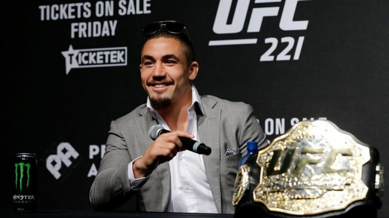 Freak injury forces Robert Whittaker to abandon title defence fight at UFC 234